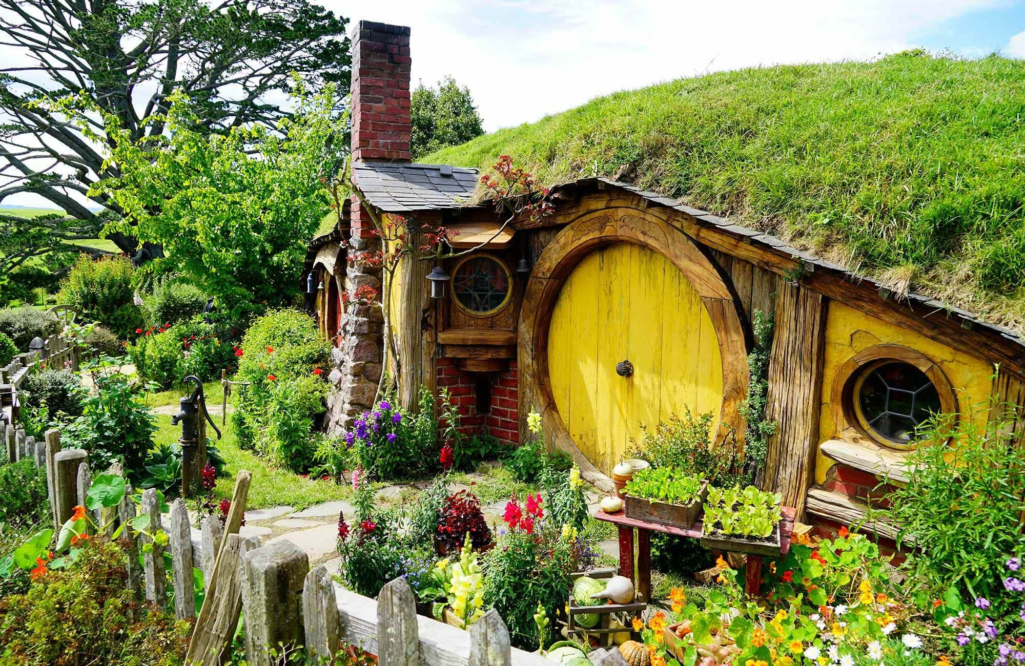 northern-island-new-zealand-hobbiton-cover