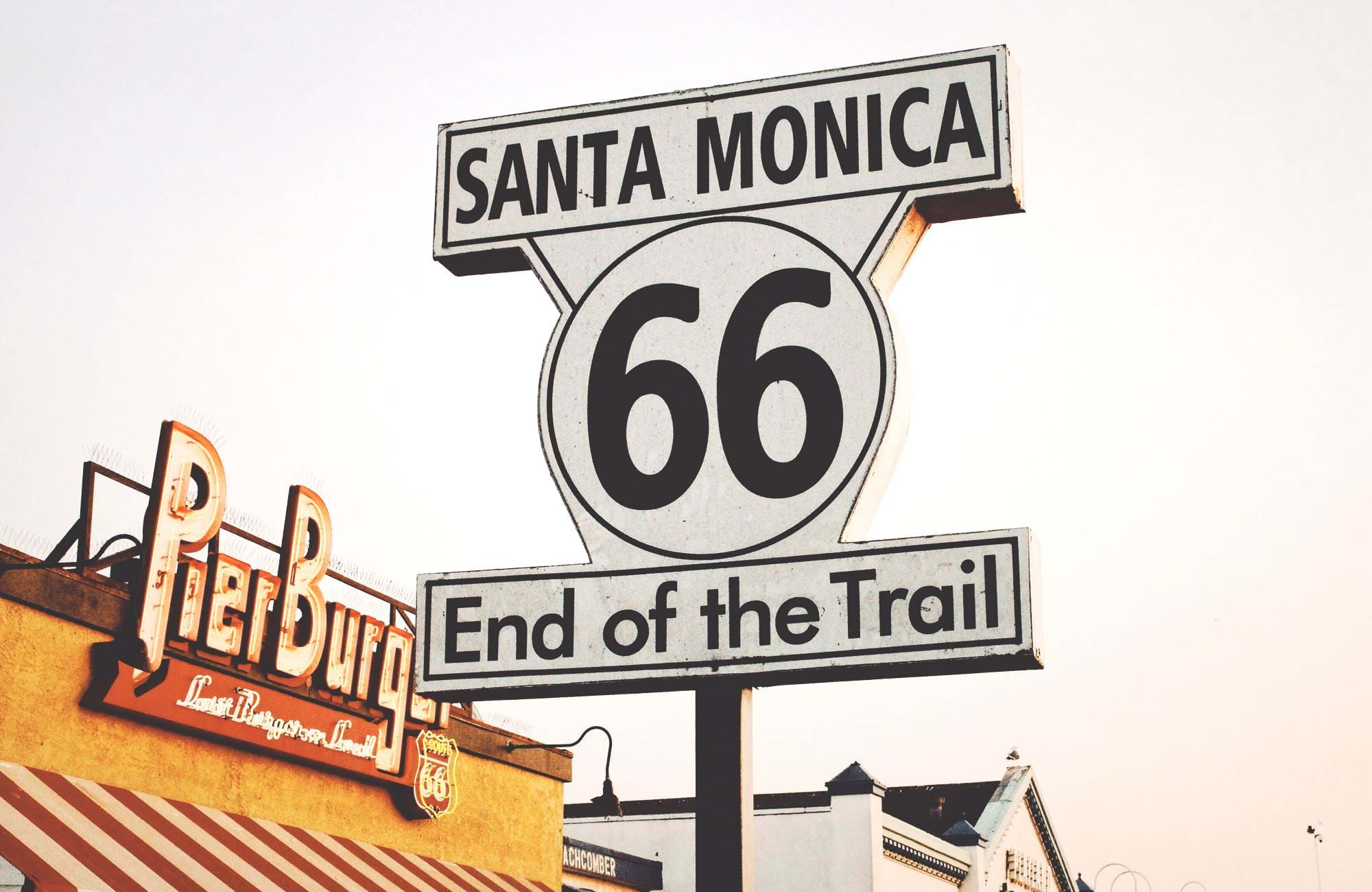 Santa Monica skilt i USA med End of the Trail