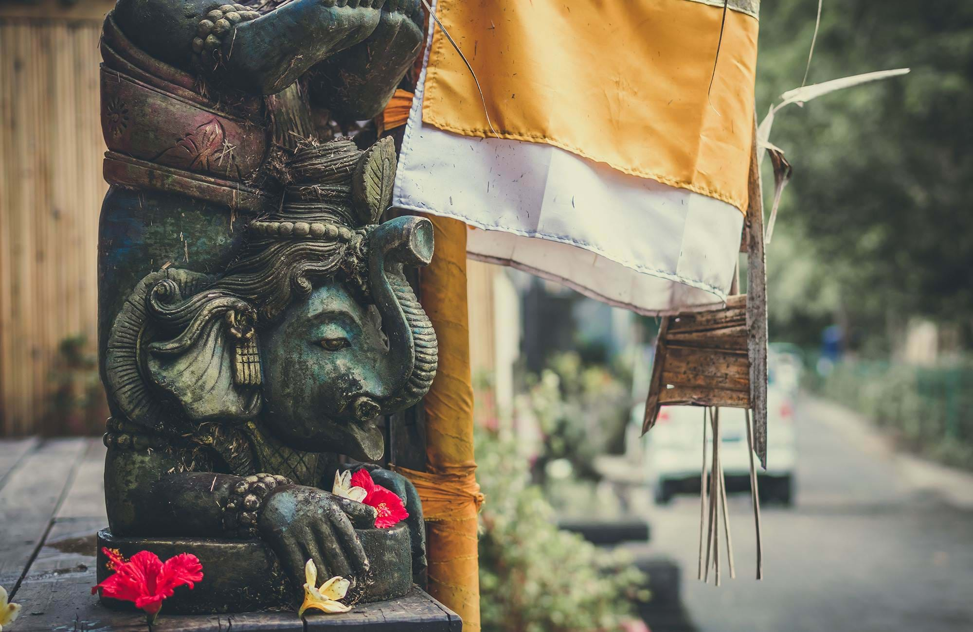 bali-indonesia-travel-inspiration-statue-cover