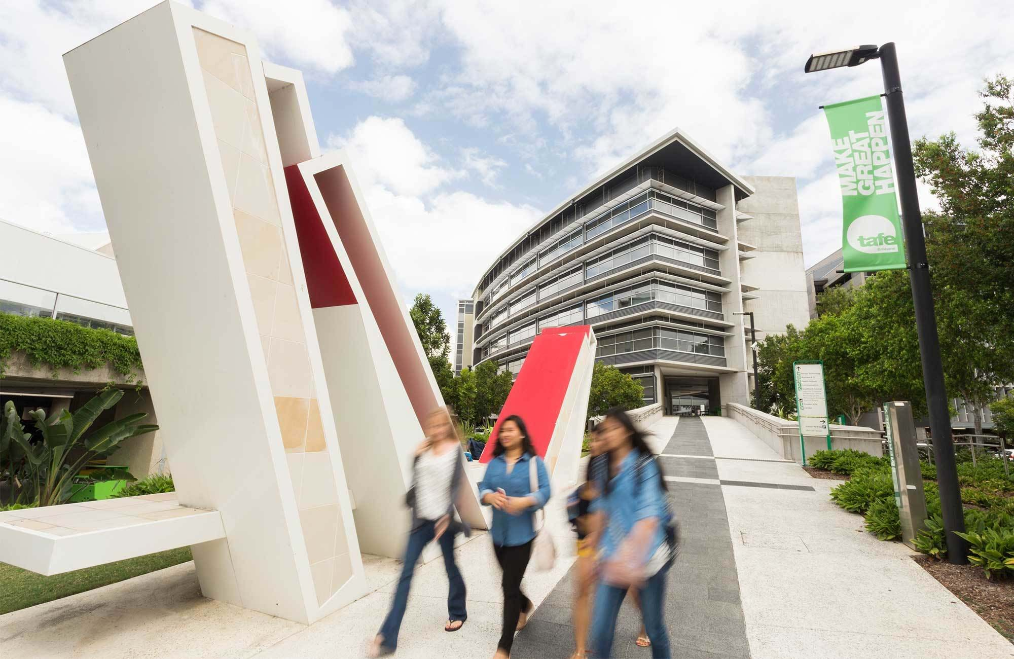 tafe-queensland-campus-building-and-students-cover